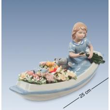 """стат-ка """"Девочка в цветочной лодке"""""""